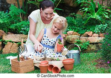 мама, садоводство, дочь