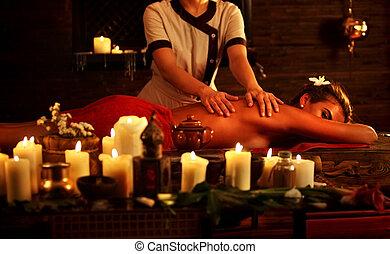 массаж, of, женщина, в, спа, salon., luxary, интерьер, восточный, терапия, .