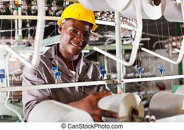 молодой, африканец, текстиль, промышленность, работник