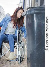 молодой, девушка, в, инвалидная коляска, возле, под, пересечение