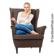 молодой, девушка, with, мобильный, телефон, в, стул