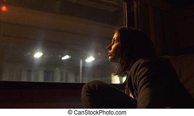молодой, женщина, в, поезд, двухместная карета
