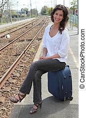 молодой, женщина, в, поезд, станция