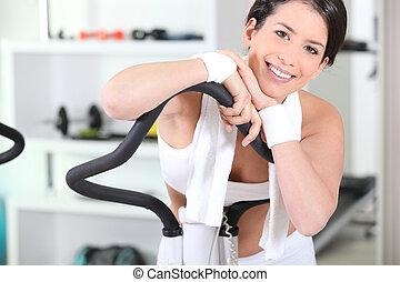 молодой, женщина, на, упражнение, машина