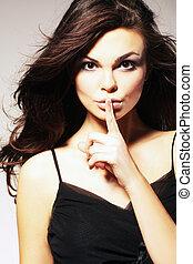 молодой, женщина, gesturing, для, тихо, или, shushing