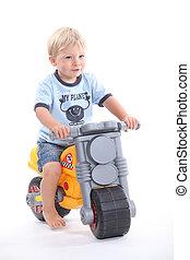 молодой, мальчик, на, игрушка, велосипед