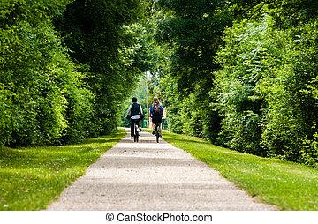 молодой, пара, на, байк, поездка, в, , французский, countryside-horizontal