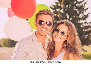 молодой, портрет, улыбается, balloons, семья, счастливый, glasses