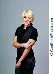 молодой, счастливый, блондинка, женщина, постоянный, на, , серый, задний план