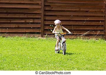немного, девушка, верховая езда, байк, на, трава