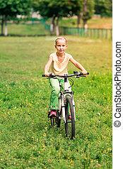 немного, девушка, верховая езда, , велосипед