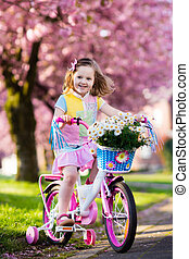 немного, девушка, верховая езда, , bike., ребенок, на, bicycle.