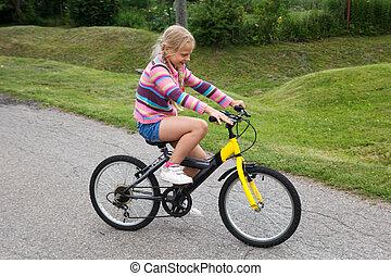 немного, девушка, learning, к, поездка, , велосипед