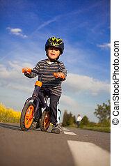 немного, мальчик, является, learning, к, bike.