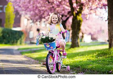немного, bike., bicycle., ребенок, верховая езда, девушка