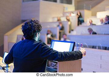 оратор, giving, говорить, на, подиум, в, бизнес, conference.