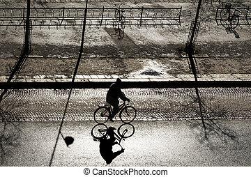 освещенный, велосипедист, назад