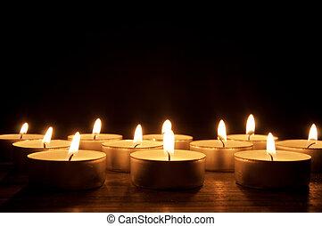 освещенный, свечи