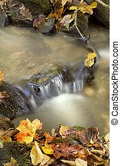осень, водопад