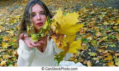 осень, девушка, падать, blowing, leaves, букет