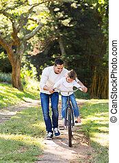 отец, обучение, дочь, к, поездка, велосипед