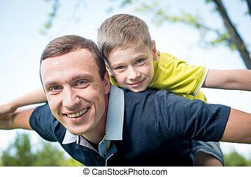 отец, giving, комбинированный, поездка, к, his, сын