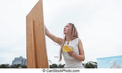 открытый, картина, воздух, блондин, женщина, краски, молодой, летающий, против, пляж, seagulls, задний план