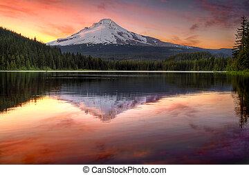 отражение, крепление, озеро, закат солнца, триллиум, капот