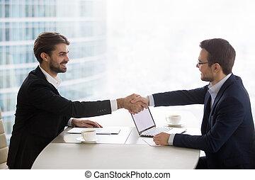 офис, бизнес, руки, доволен, businessmen, поколебать, встреча, счастливый