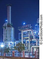 очистительный завод, промышленные, растение, with, промышленность, котел, в, ночь