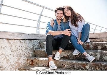пара, молодой, ищу, камера, портрет, улыбается, счастливый