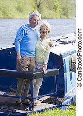 пара, на открытом воздухе, на, лодка, улыбается