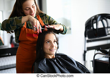 парикмахер, порез, scissors., волосы, женский пол, веселая, посетитель, shortly, фартук