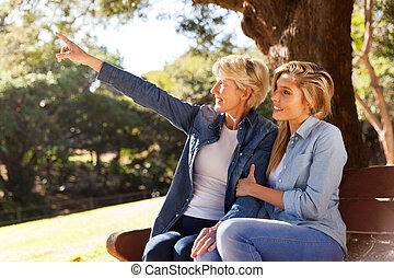 парк, дочь, pointing, мама