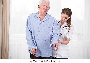 пациент, с помощью, гулять пешком, придерживаться