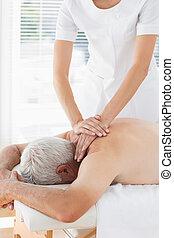 пациент, физиотерапевт, назад, massaging