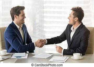 переговоры, хорошо, после, два, businessmen, handshaking