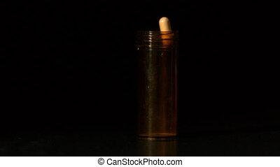 пилюля, capsules, заливка, into, пластик, банка