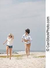 пляж, день, пара, счастливый, солнечно, кавказец, бег