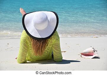 пляж, место действия