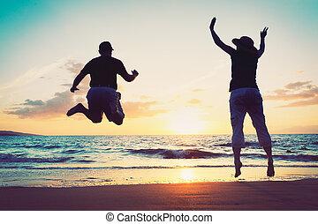 пляж, пара, enjoying, закат солнца, старшая