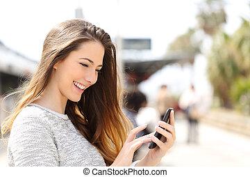 поезд, texting, телефон, станция, девушка, умная