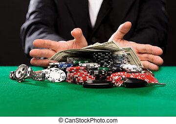 покер, игрок, with, чипсы, and, деньги, в, казино, таблица