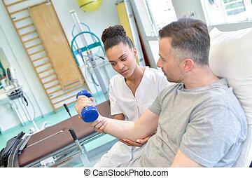 помощь, dumbbels, медсестра, пациент, упражнение