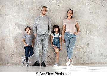 портрет, kids, семья, posing, счастливый, вместе, молодой