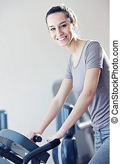 портрет, of, молодой, женщина, верховая езда, упражнение,...