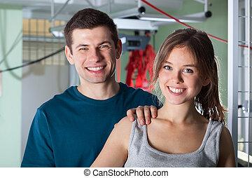 портрет, of, , улыбается, пара, в, физиотерапия, клиника