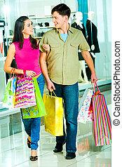поход по магазинам, вместе