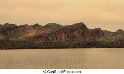 пустыня, озеро