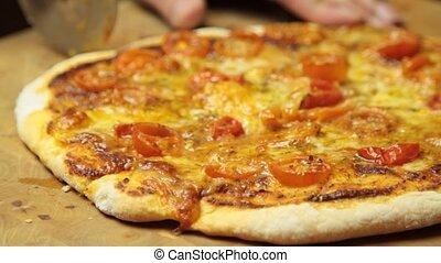 резка, пицца